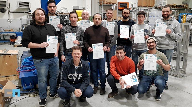 Consegna di attestati di formazione al corso di Robotica e Automazione Industriale con CTF Automazioni